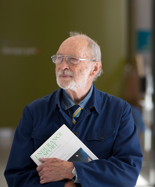 portrait of Howard Knuttgen