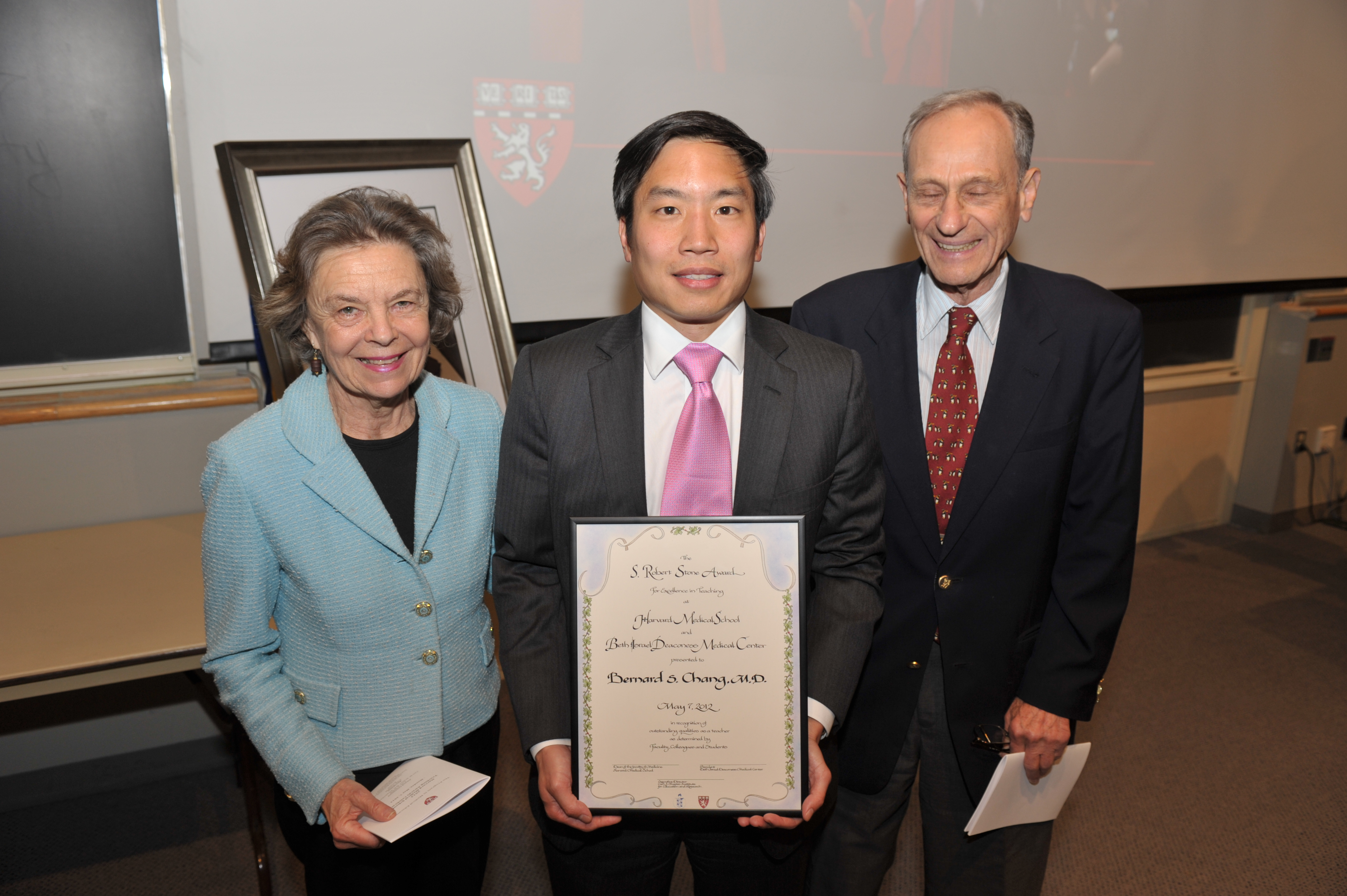 Bernard S. Chang, MD, Recipient of the S. Robert Stone Award for Excellence in Teaching, with Dick and Betty Stone. Photo by Steve Gilbert.