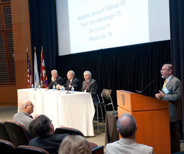 Medical education is key to successful health reform panelists said at an HMS Alumni Day Symposium May 30.  Image: Suzi Camarata