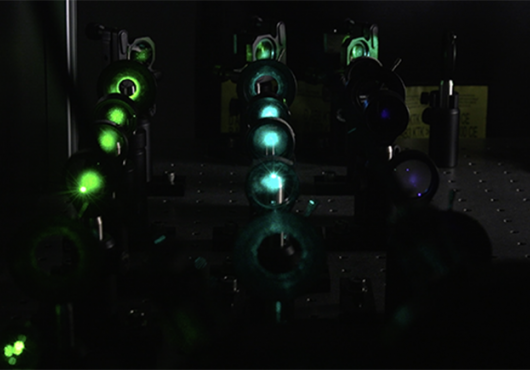Rows of mirrors in a laser microscope